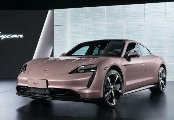 Mobil Listrik Porsche Taycan Meluncur di China