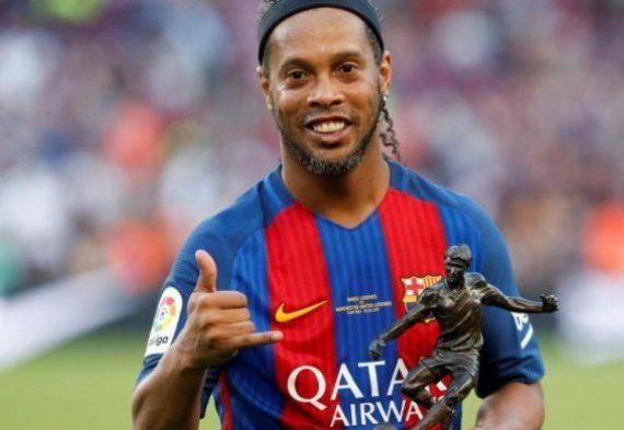 Penari Pembawa Peti Mati Ghana Impikan Bawa Ronaldinho menuju Tempat Istirahat Terakhirnya