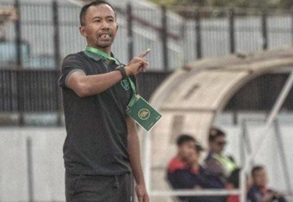 Uston Nawawi Senang Dalam Waktu Dekat Ikut Kursus Kepelatihan Lisensi AFC Pro