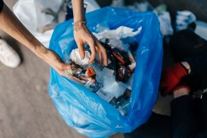 mengolah sampah plastik